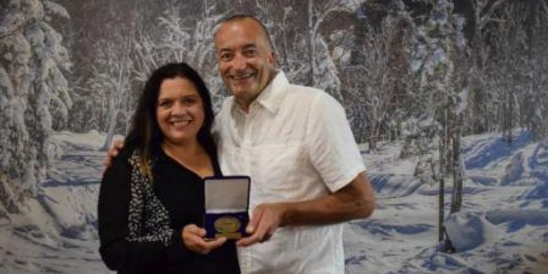 MONT SAINTE-ANNE - Daniel Rochon - reçoit la médaille de l'ANQ