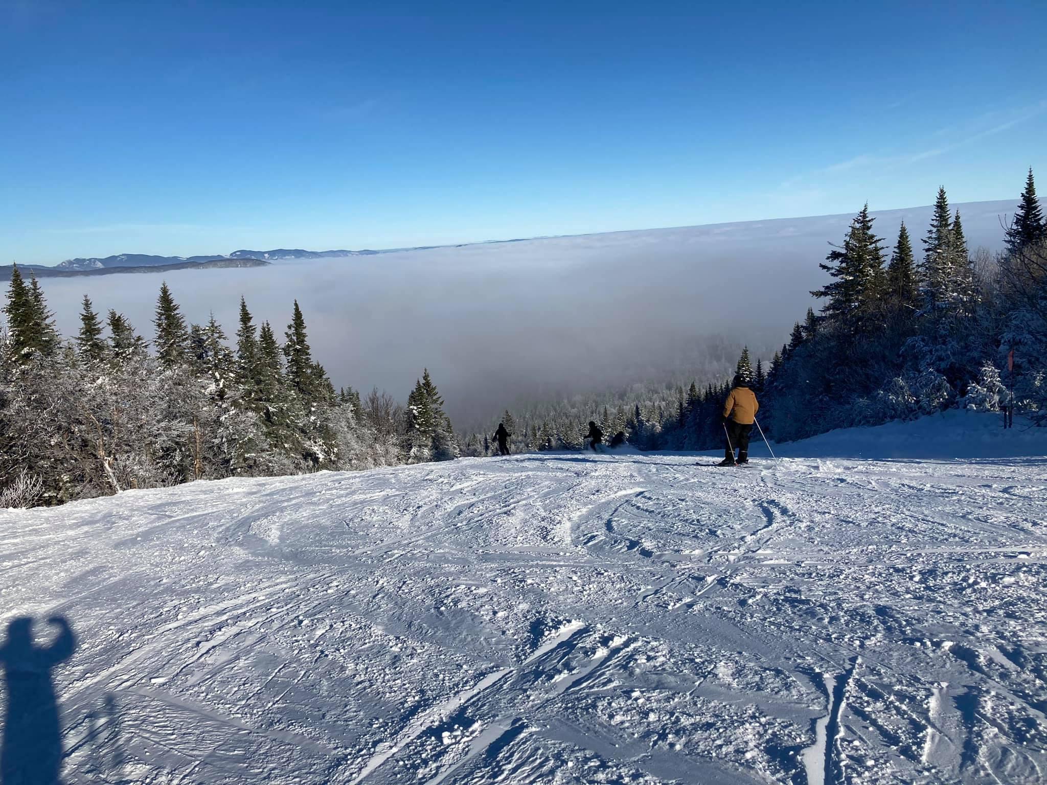 4 janvier Mont Sainte Anne - Soleil au sommet et au versant nord